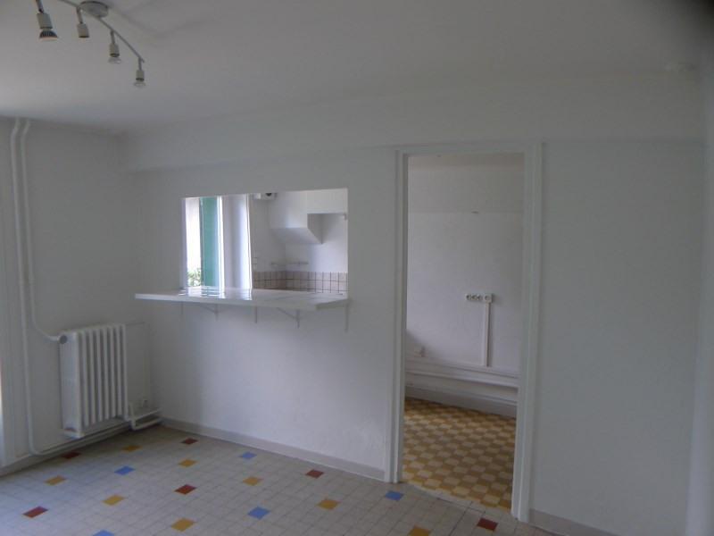Location maison / villa Charly 708€ CC - Photo 4