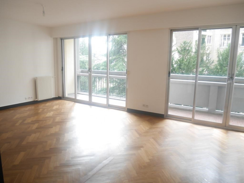 Location appartement Paris 17ème 2 364€ CC - Photo 2