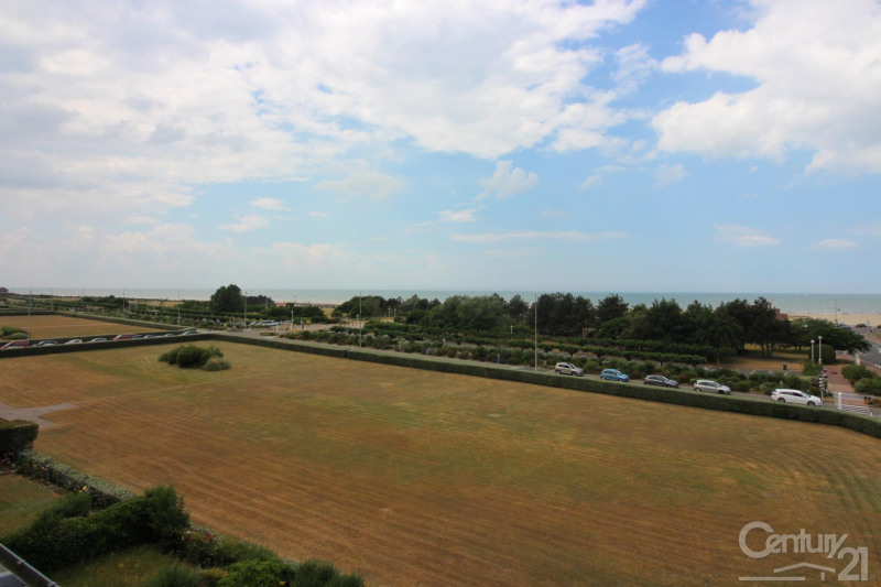 Revenda residencial de prestígio apartamento Deauville 966000€ - Fotografia 16