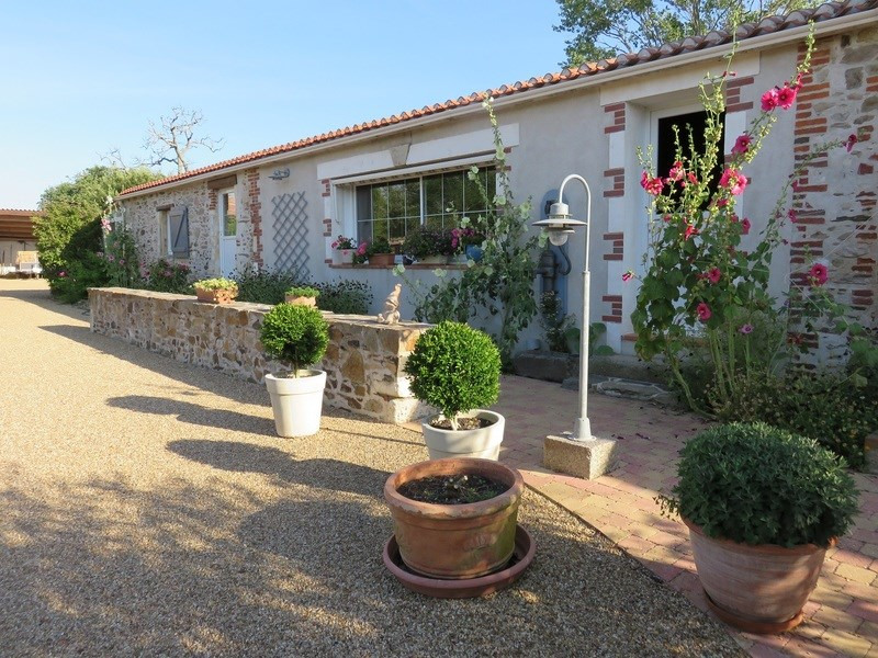 Vente de prestige maison / villa Château-d'olonne 699900€ - Photo 2