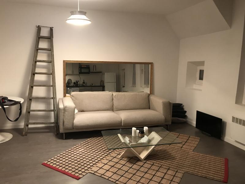 Rental apartment Paris 3ème 1699€ CC - Picture 1
