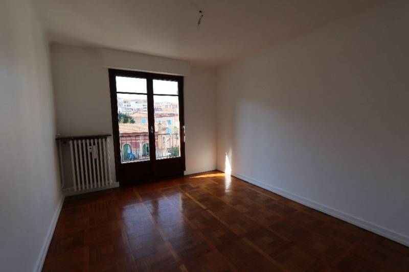 Rental apartment Nice 1 200€ CC - Picture 3