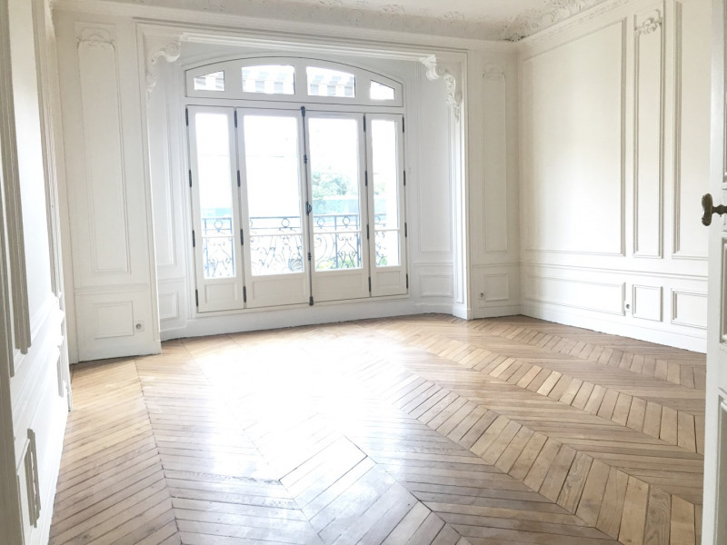 Rental apartment Paris 16ème 5 756€ CC - Picture 1
