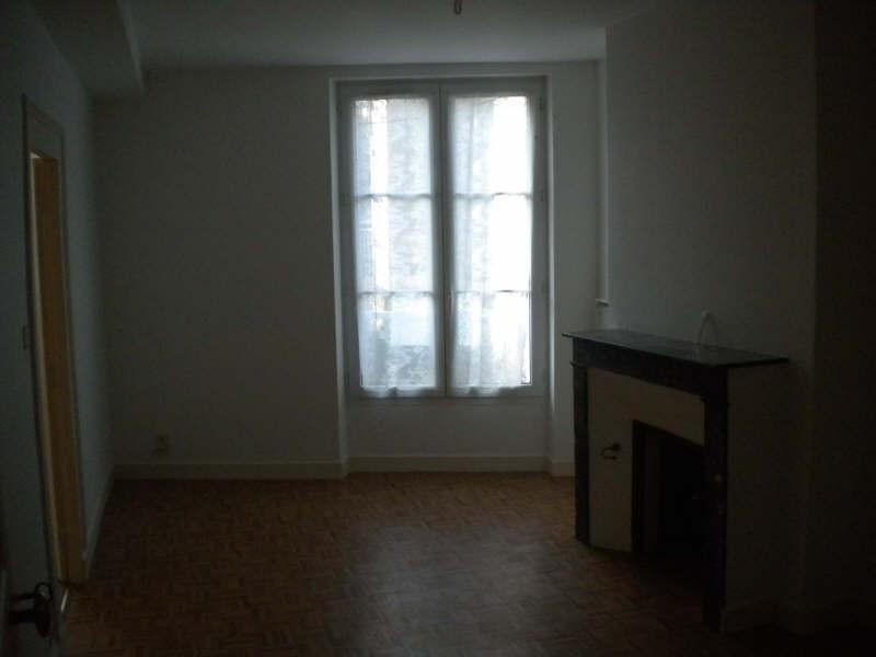 Rental apartment Vendome 302€ CC - Picture 3