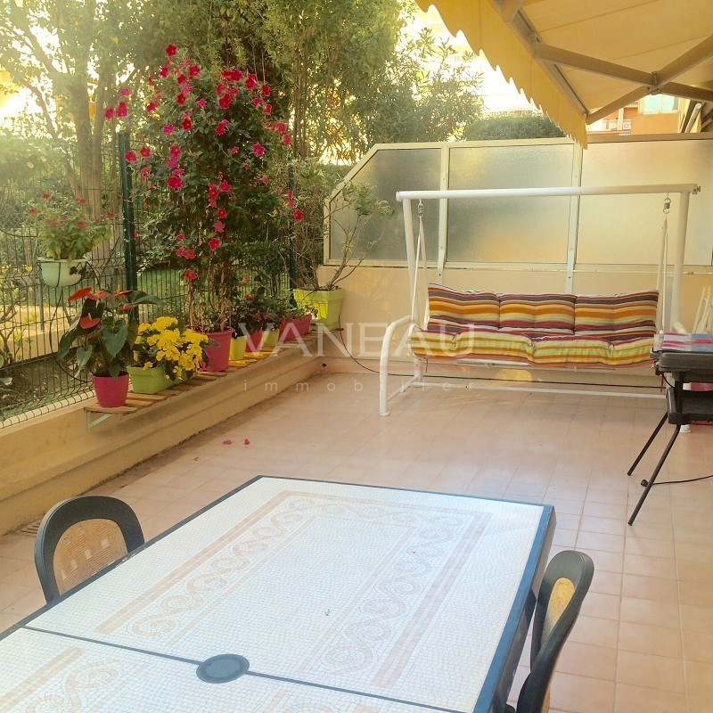 Vente de prestige appartement Juan-les-pins 251450€ - Photo 1