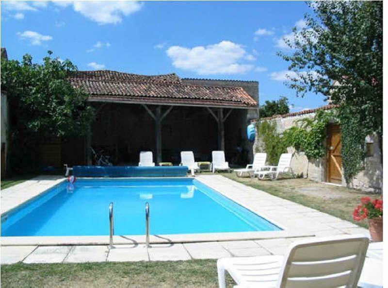 Vente maison / villa Aigre 340000€ - Photo 1