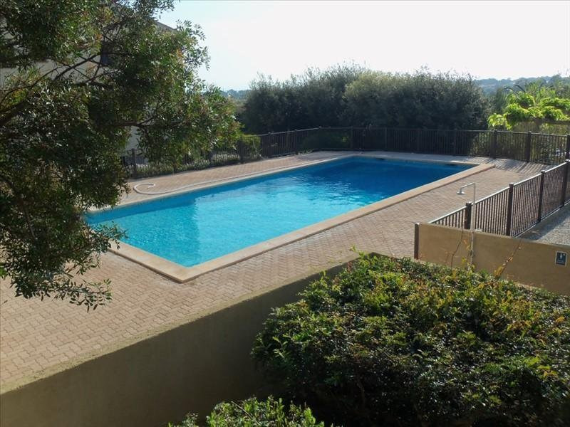 Location appartement Giens 700€ CC - Photo 1
