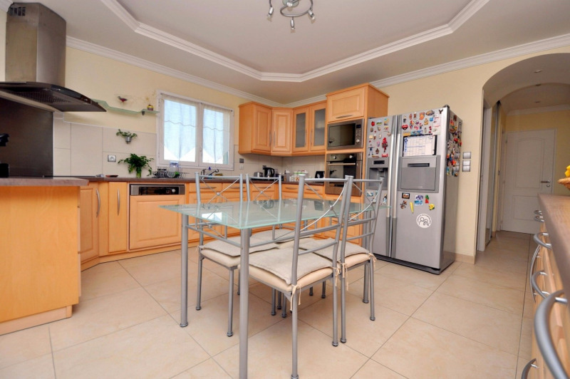 Sale house / villa Pecqueuse 635000€ - Picture 6