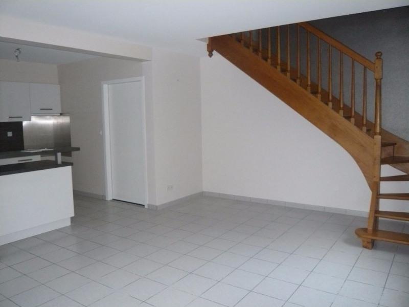 Rental apartment Laval 487€ CC - Picture 2
