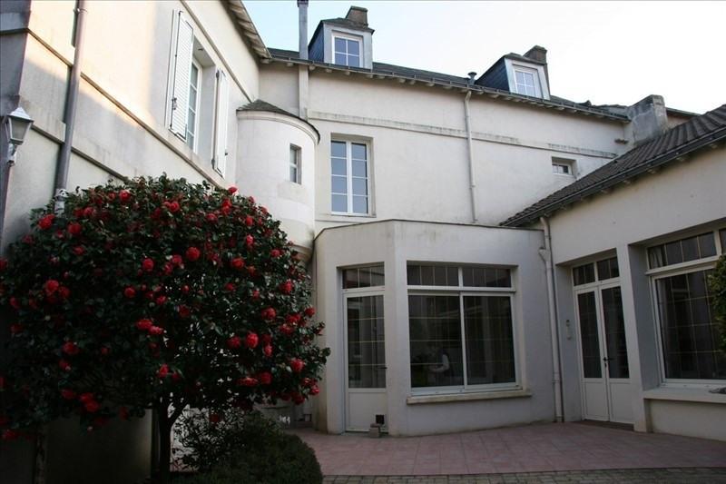 Deluxe sale house / villa La roche sur yon 565000€ - Picture 1