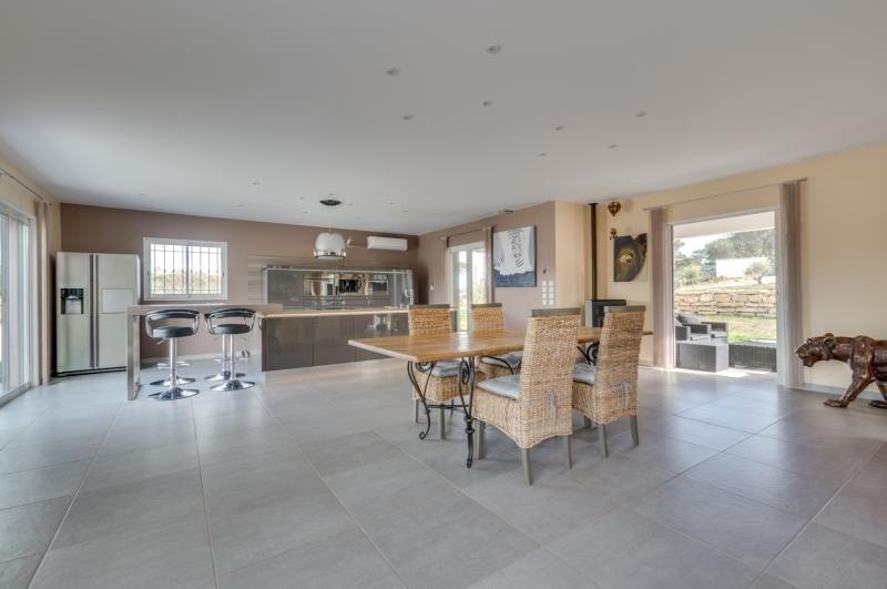 Vente de prestige maison / villa Roquebrune sur argens 950000€ - Photo 2