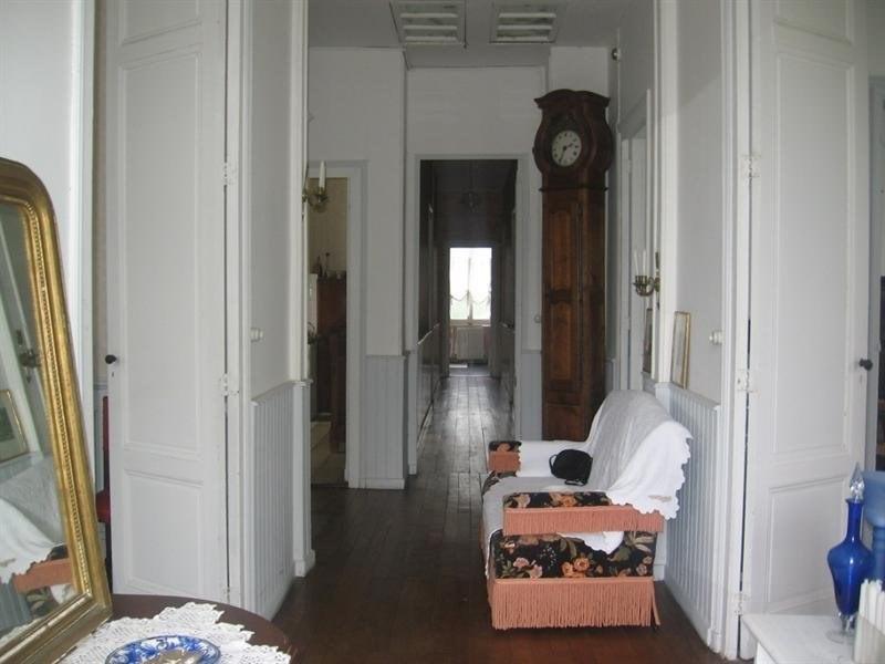 Sale house / villa Montguyon 260000€ - Picture 6