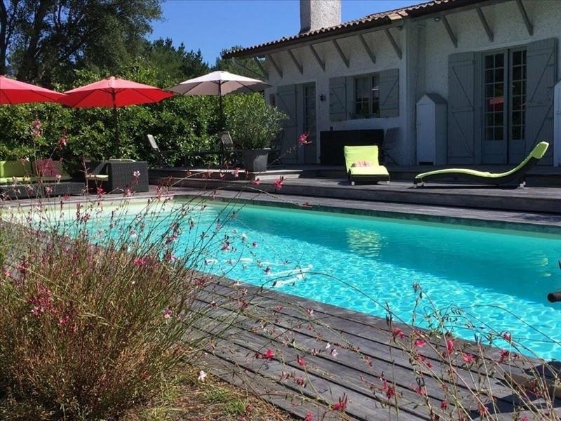 Deluxe sale house / villa St aubin de medoc 644800€ - Picture 1