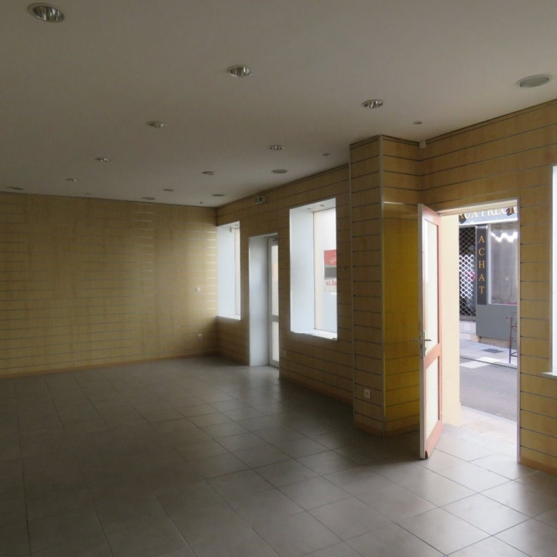Location Local commercial Auxerre 0