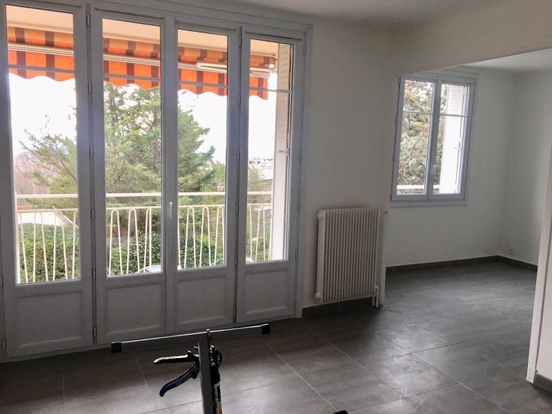 Location appartement Aix en provence 1145€ CC - Photo 3