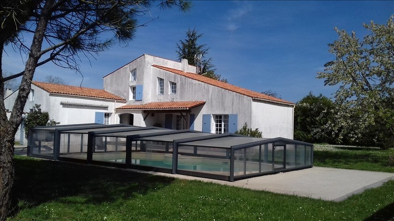 Sale house / villa Vouhe 268 500€ - Picture 1