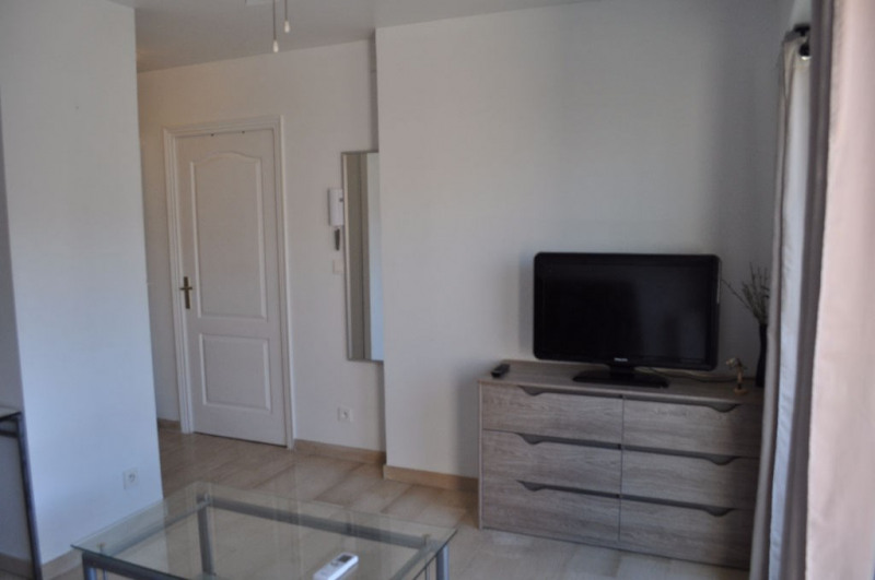 Rental apartment Nice 570€ CC - Picture 4