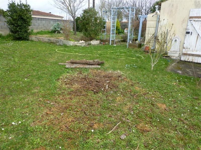 Sale house / villa Saint-jean-d'angély 139000€ - Picture 6