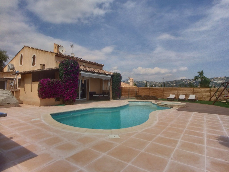 Deluxe sale house / villa Saint laurent du var 698 000€ - Picture 1
