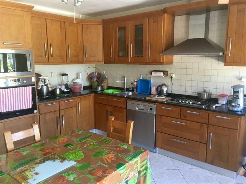 Sale house / villa Bulles 330000€ - Picture 8