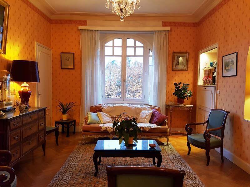 Sale house / villa Beaurepaire 230000€ - Picture 1