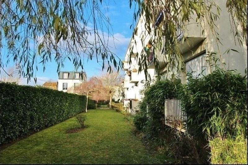 Sale apartment Croissy sur seine 330000€ - Picture 1