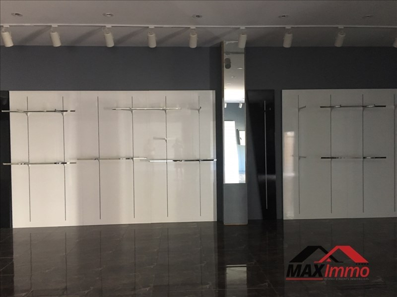Location local commercial St louis 850€ HT/HC - Photo 3