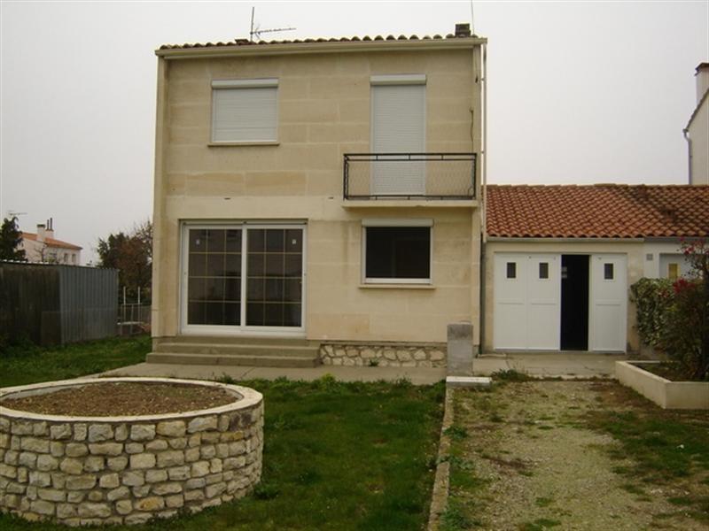 Sale house / villa Saint-jean-d'angély 127200€ - Picture 1