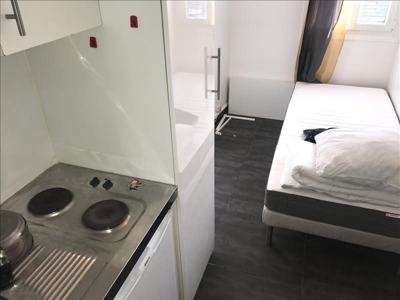 Rental apartment Paris 16ème 400€ CC - Picture 1