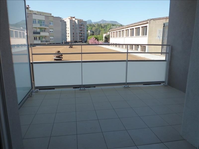 Rental apartment Barberaz 680€ CC - Picture 2