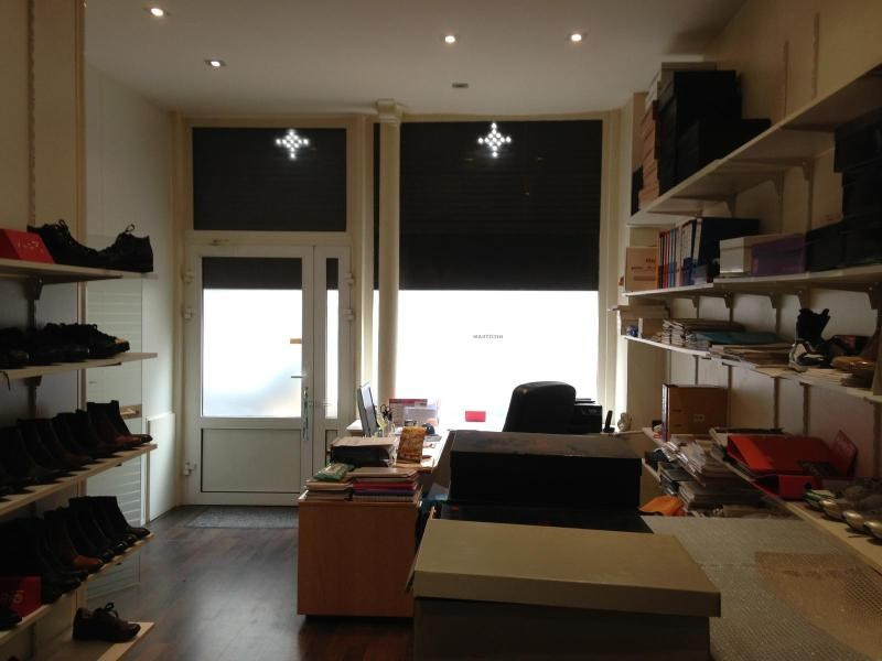 Location boutique Paris 11ème 2 230€ CC - Photo 2