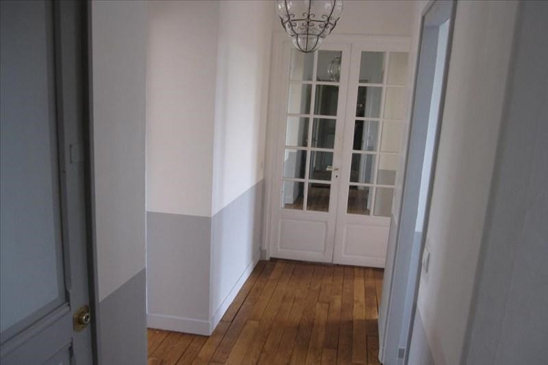 Rental apartment Marnes la coquette 1 750€ CC - Picture 2