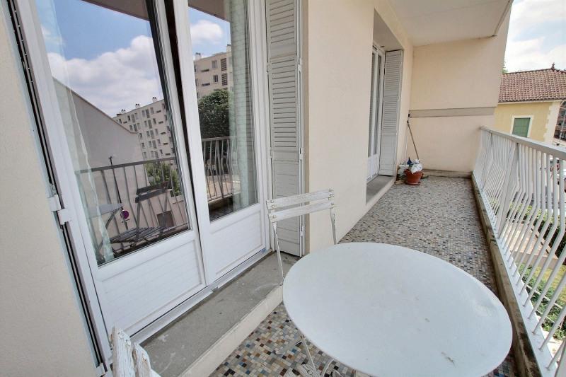 T3 Montchat avec balcon à vivre