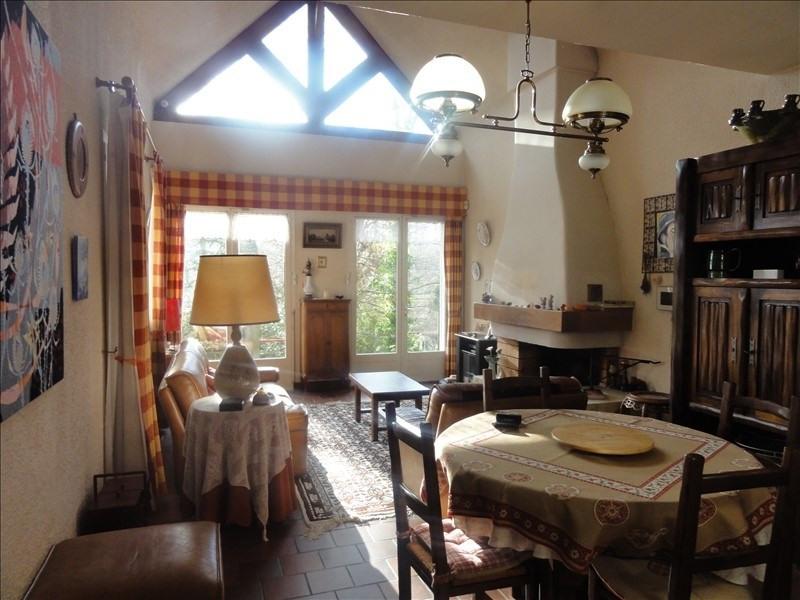 Sale house / villa Montfort l amaury 398000€ - Picture 3