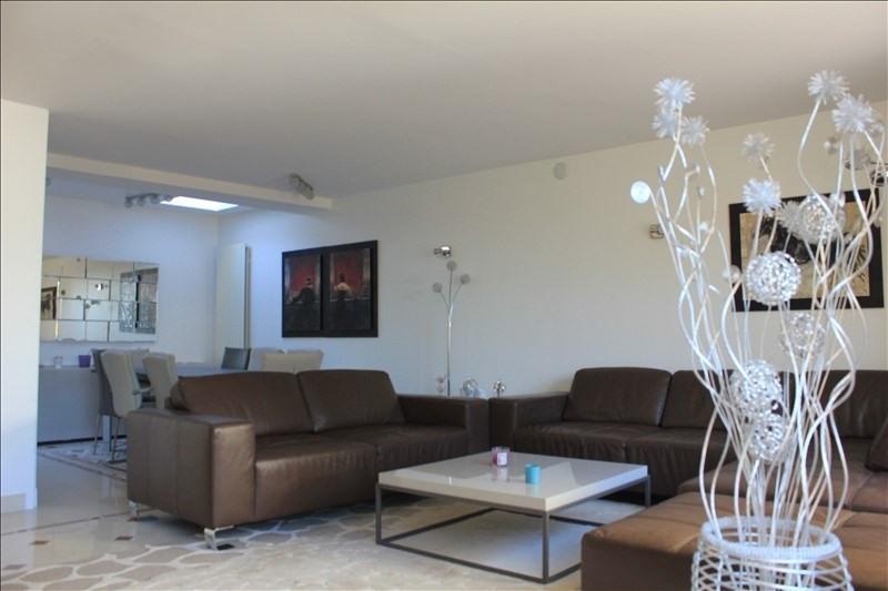 Sale house / villa St germain en laye 895000€ - Picture 1