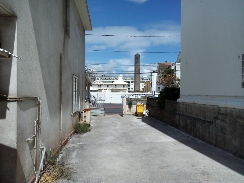 Location local commercial St pierre 3 800€ HT/HC - Photo 1