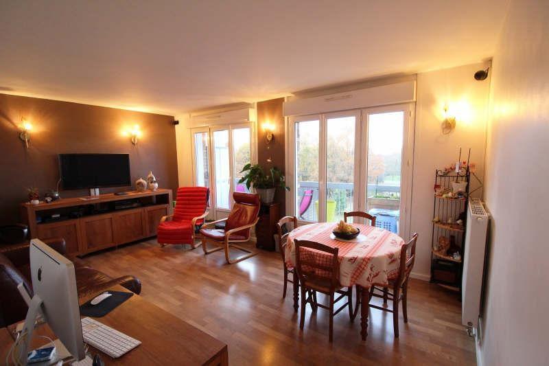 Sale apartment Maurepas 216000€ - Picture 1