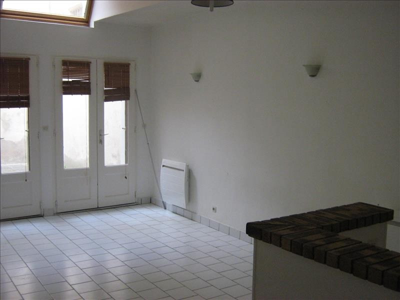 Rental apartment Nevers 330€ CC - Picture 2