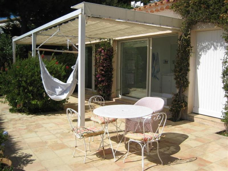 Vacation rental house / villa Cavalaire sur mer 2 500€ - Picture 9