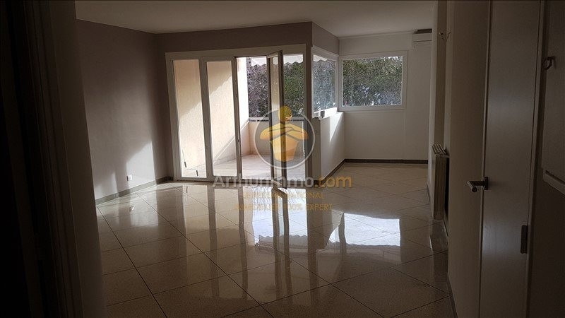 Location appartement Sainte maxime 1 140€ CC - Photo 3