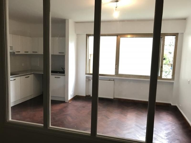 Location appartement Paris 16ème 1235€ CC - Photo 8