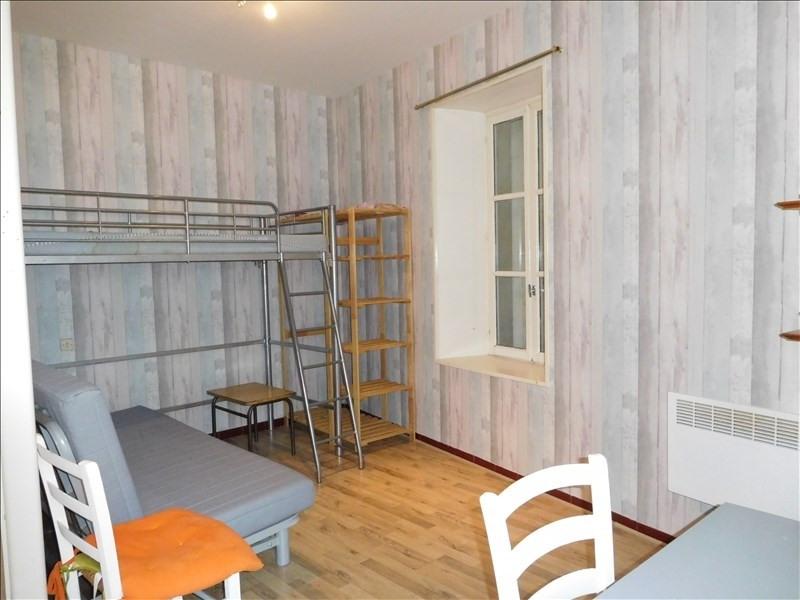 Location maison / villa St andre de cubzac 430€ CC - Photo 4