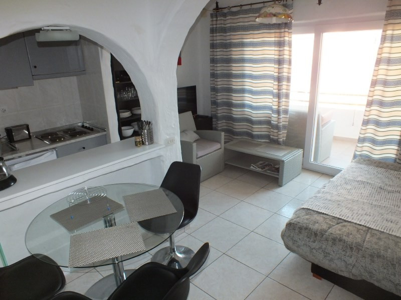Vacation rental apartment Rosas-santa-margarita 368€ - Picture 6