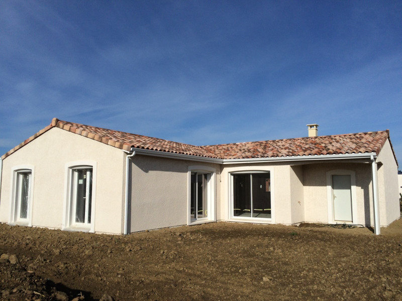 Maison  4 pièces + Terrain 800 m² Montaigut-sur-Save par maison côté soleil