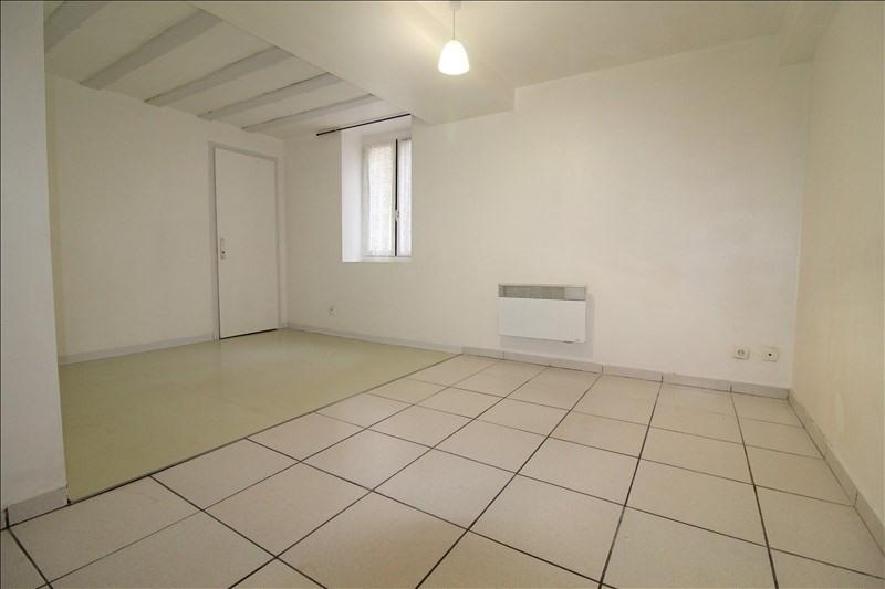 Sale apartment Voiron 68000€ - Picture 2