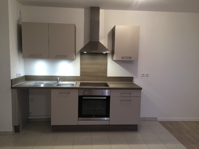 Location appartement Vert saint denis 890€ CC - Photo 2