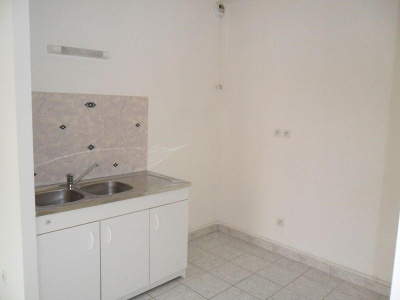 Sale apartment St quentin 97 000€ - Picture 2
