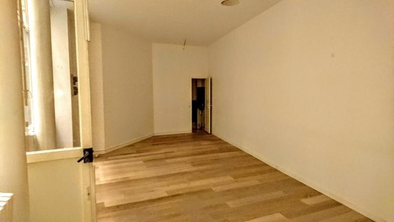 Sale empty room/storage Paris 1er 420000€ - Picture 6