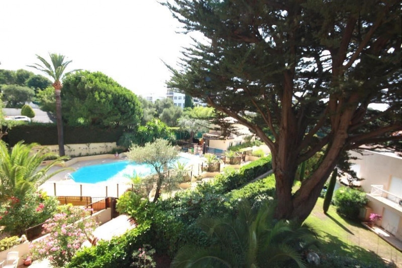Vacation rental apartment Juan les pins  - Picture 1