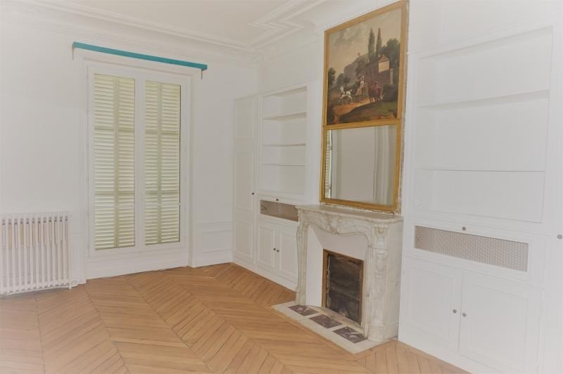 Location appartement Paris 7ème 4 110€ CC - Photo 6